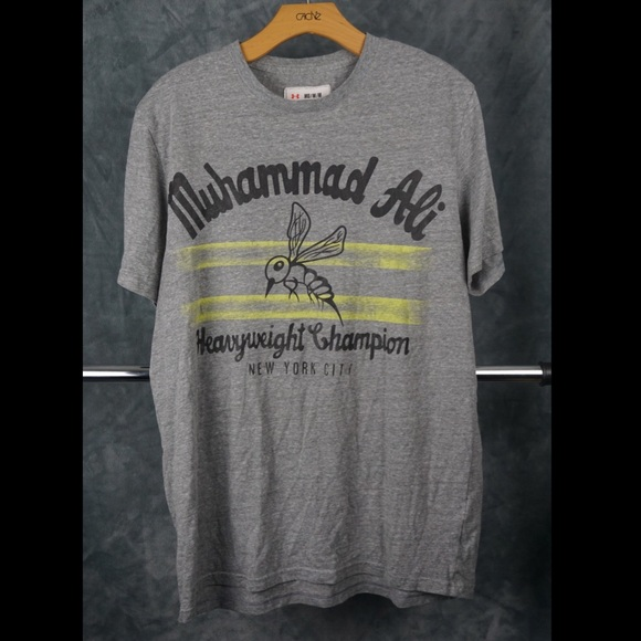 51f77644 Under Armour Roots of Fight Muhammad Ali T-shirt. M_5b37053512cd4a85449fd825